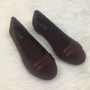 ⬇️$35 Wear. Ever. Wine colored flats. Sz 6.